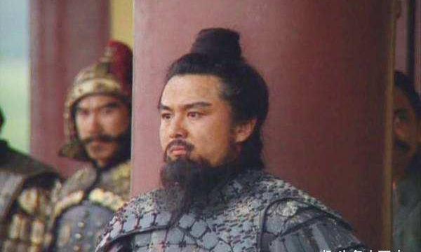 高顺骁勇异常,掌握陷阵营,曹操为何不收留高顺而将他斩首?
