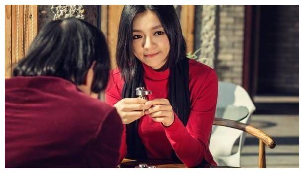 """她是最美棋后嫁外国王子,为老公更改国籍,并劝闺蜜""""共侍一夫"""""""