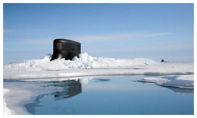 核潜艇突破北极冰层上浮,有何实战意义?