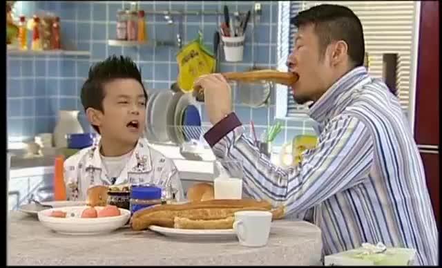 """有个""""智商缺陷""""的父亲,吴磊太难了!既当孩子又当妈?"""
