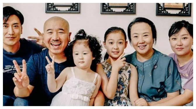 """""""乡爱14""""拍摄条件艰苦,刘能皮长山冻到哆嗦,演员午餐接地气"""