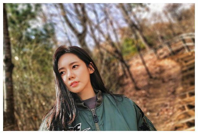 品如的饰演者秋瓷炫,虽儿时生活不幸,但现在感情事业双丰收!