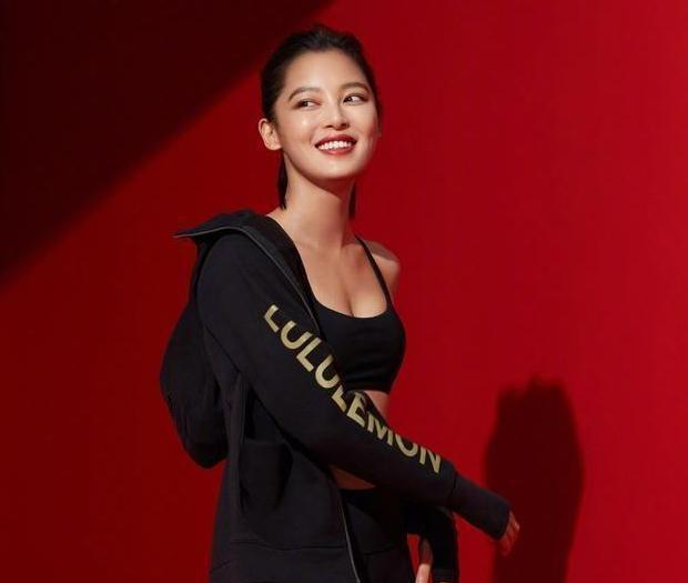 辛芷蕾拍摄运动内衣大片,网友:头次发现辛芷蕾的身材这么好