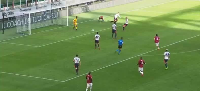 热那亚解围不远,本纳塞尔抢射,高出球门了