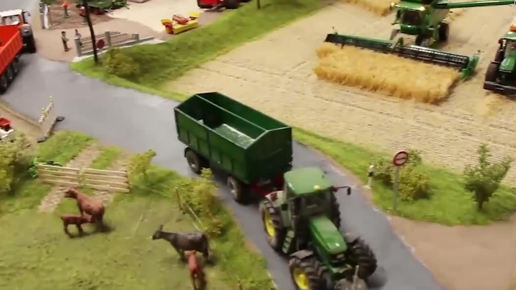国外农业机械化这么发达,怪不得国外的农业人口那么少!