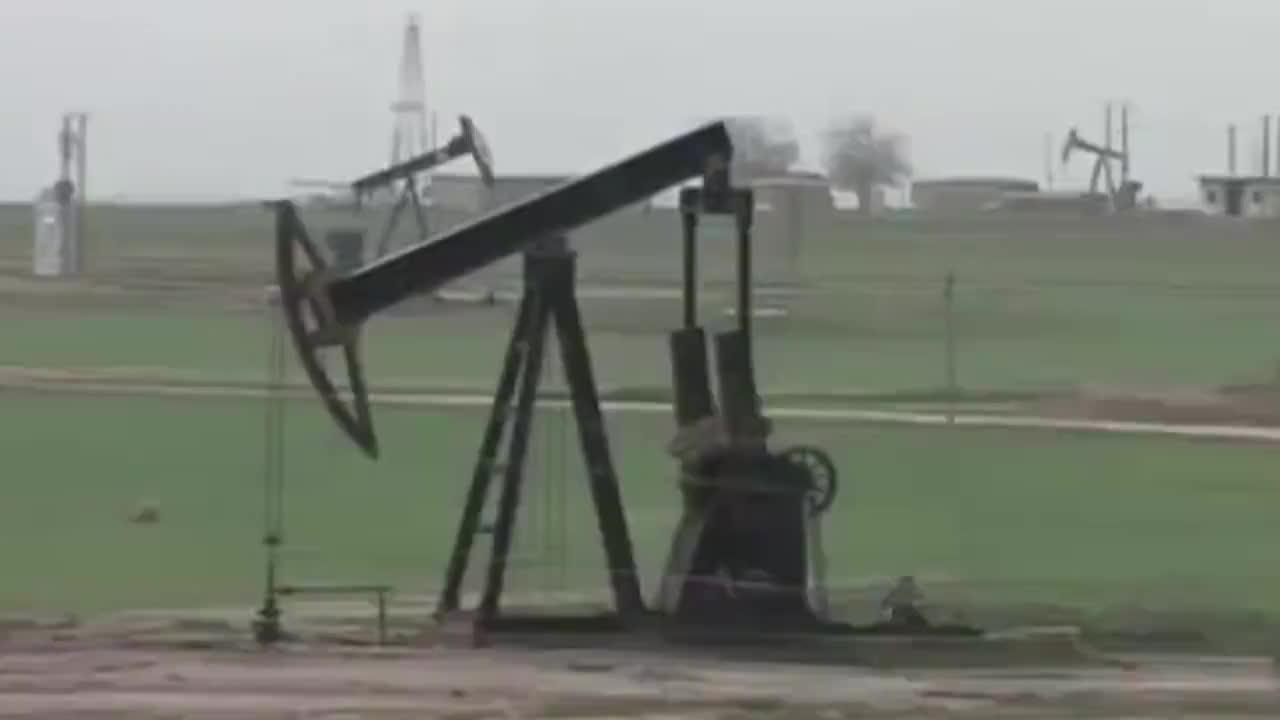 抢夺叙利亚油田美俄两军爆发直接冲突大批士兵子弹上膛