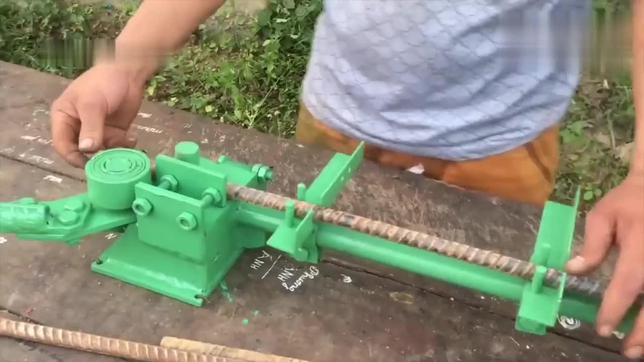 小伙花80块网上买的钢筋折弯机,测试了一下效果,这钱花得值
