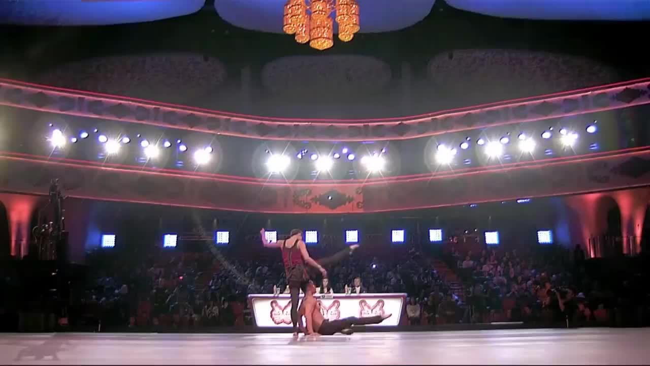 出彩中国人:小情侣杂技舞蹈表演,周立波称有国际舞蹈范
