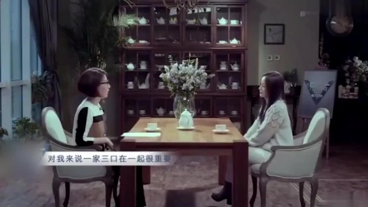 李小璐和贾乃亮离婚后为何一直单身?采访一个口误,暴露真实想法