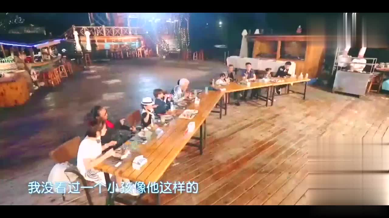 谢贤节目中吃烤串,埋怨张柏芝不带孙子给他看,网友深表同情
