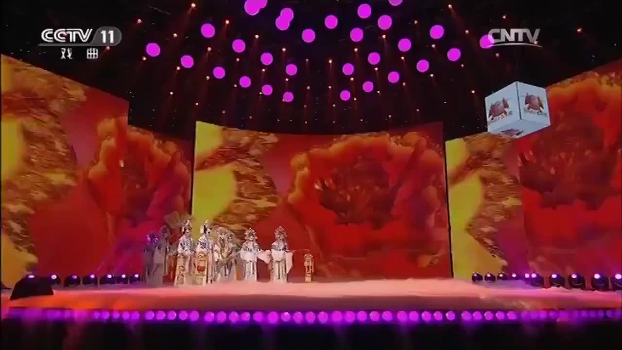 京剧《大唐贵妃》经典选段,陶慧敏郑培钦精彩合唱,两人太美了!