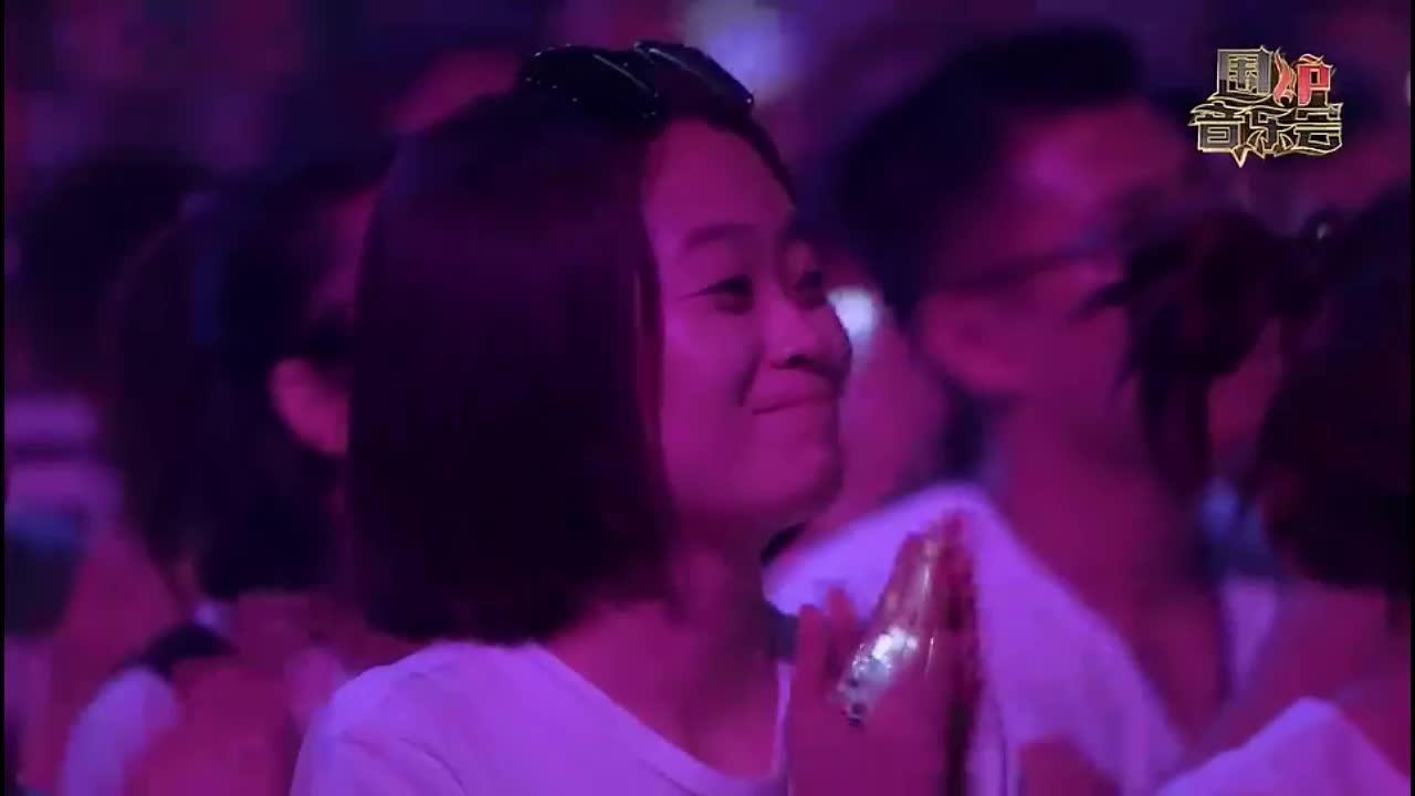 围炉音乐:曹格徒弟舞台首秀,两人合唱经典:梁山伯与茱丽叶!