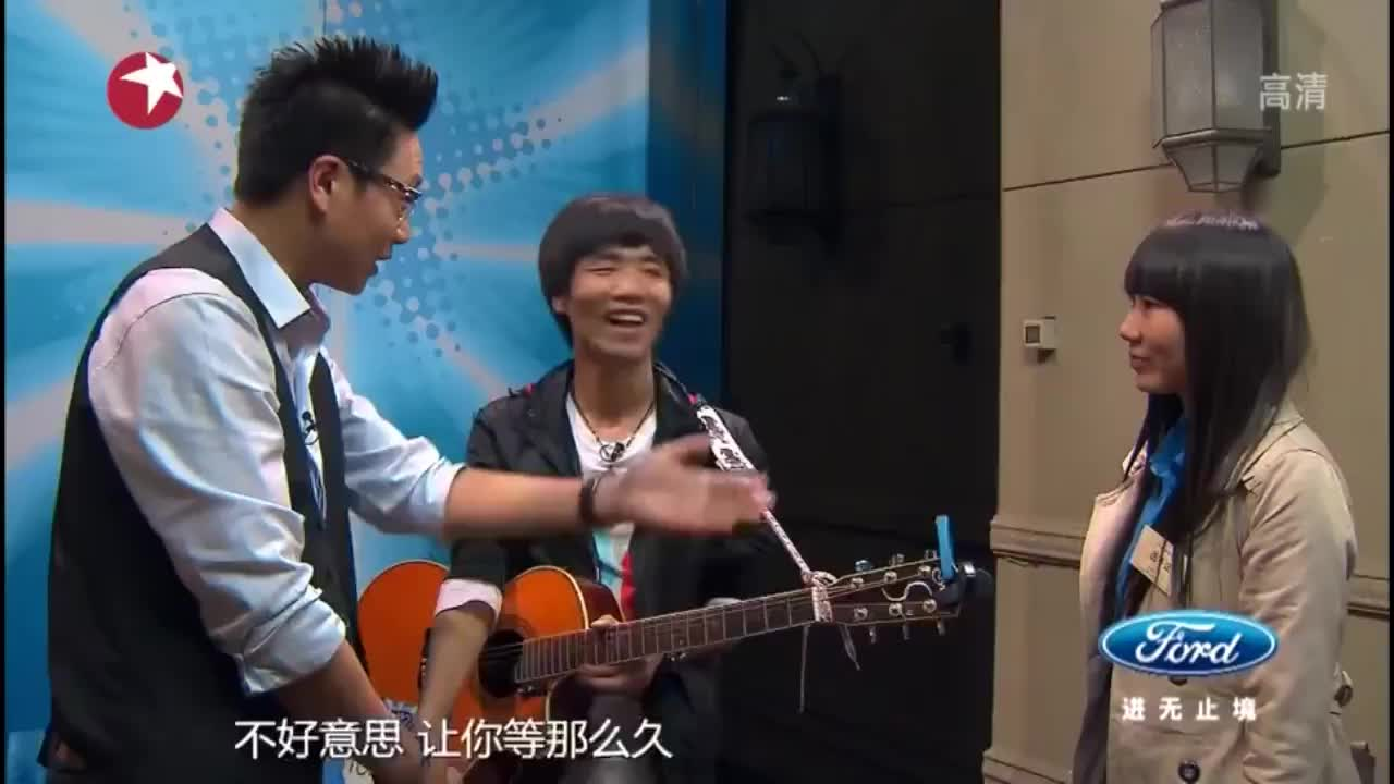 中国梦之声:云南小哥吉他弹唱:回到拉萨,韩红即兴伴唱!