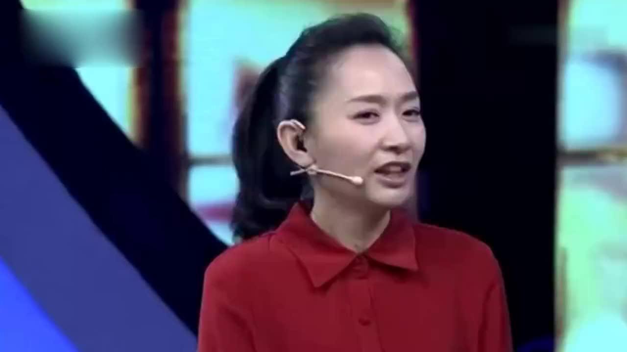 主持人王芳大15岁丈夫近照曝光,背景大到不像话,难怪迟迟不公开