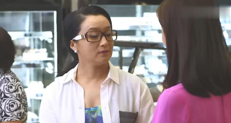 逼婚妈妈饥不择食,把女儿介绍给蛋糕店小伙子,把人吓坏了