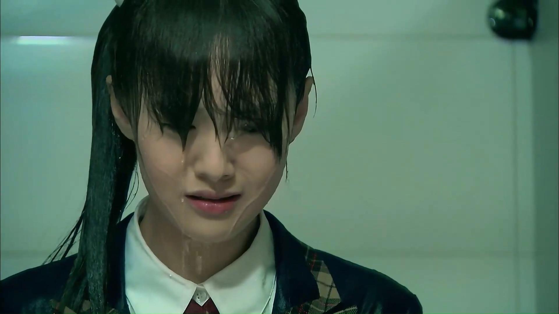 一起来看流星雨:楚雨荨被泼冷水,遭受校园暴力!