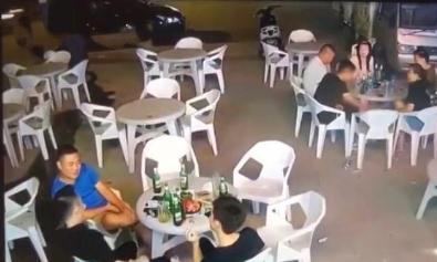 廊坊一疾驰轿车冲入夜市,一桌五人被撞飞三人,现场画面曝光