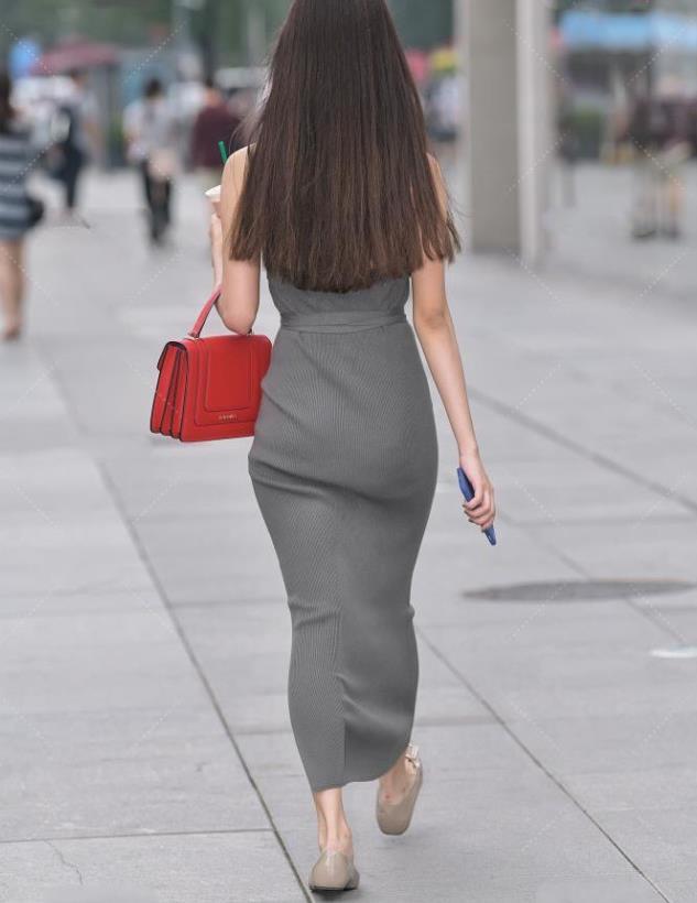 灰色连体裙,大方时尚,简单得体