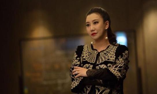 范湉湉:脱口秀女王,却有一个演员梦,如今得众多导演赏识
