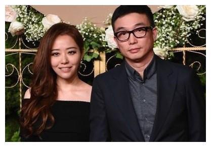 当初不顾母亲反对,执意嫁给冯轲后来离婚的张靓颖,如今怎样了?