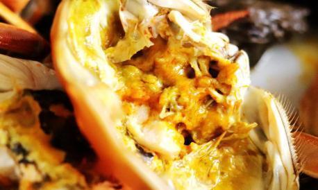 清蒸大闸蟹有技巧,用这个方法蒸,螃蟹肉嫩黄不外流,营养易吸收