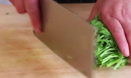 教你做美味茼蒿丸子,喜欢吃茼蒿的赶紧收藏一下吧!