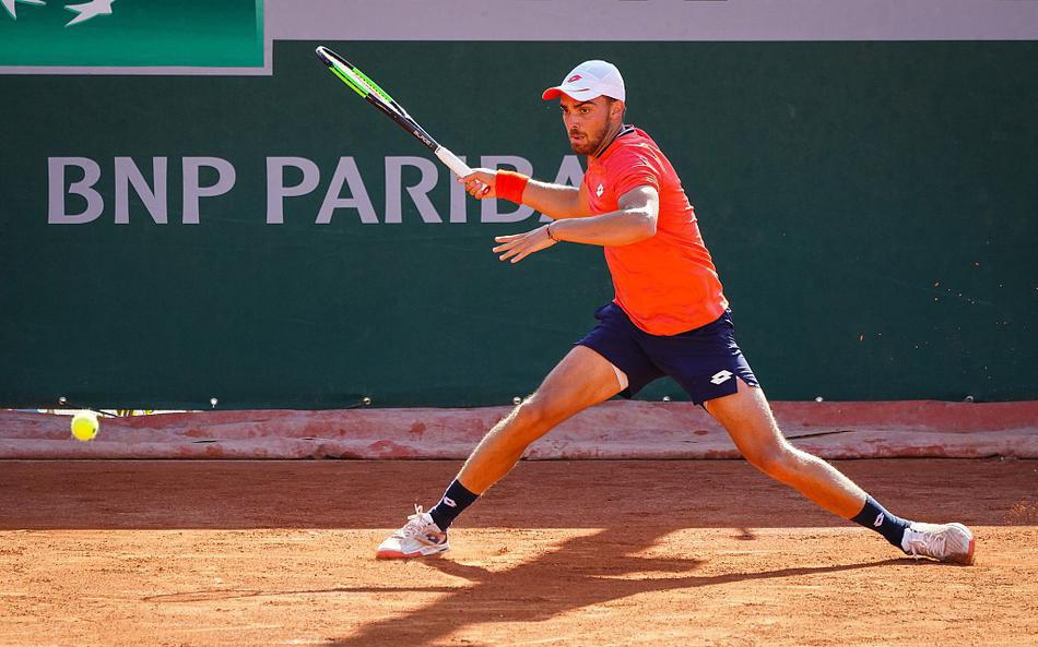 2020年法国网球公开赛资格赛男单首轮,博兹2-1科拉尔晋级