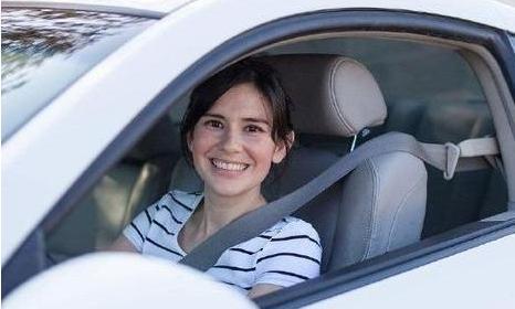 为什么老司机开车只开一个车窗?老司机:都是经验,不懂要吃亏的