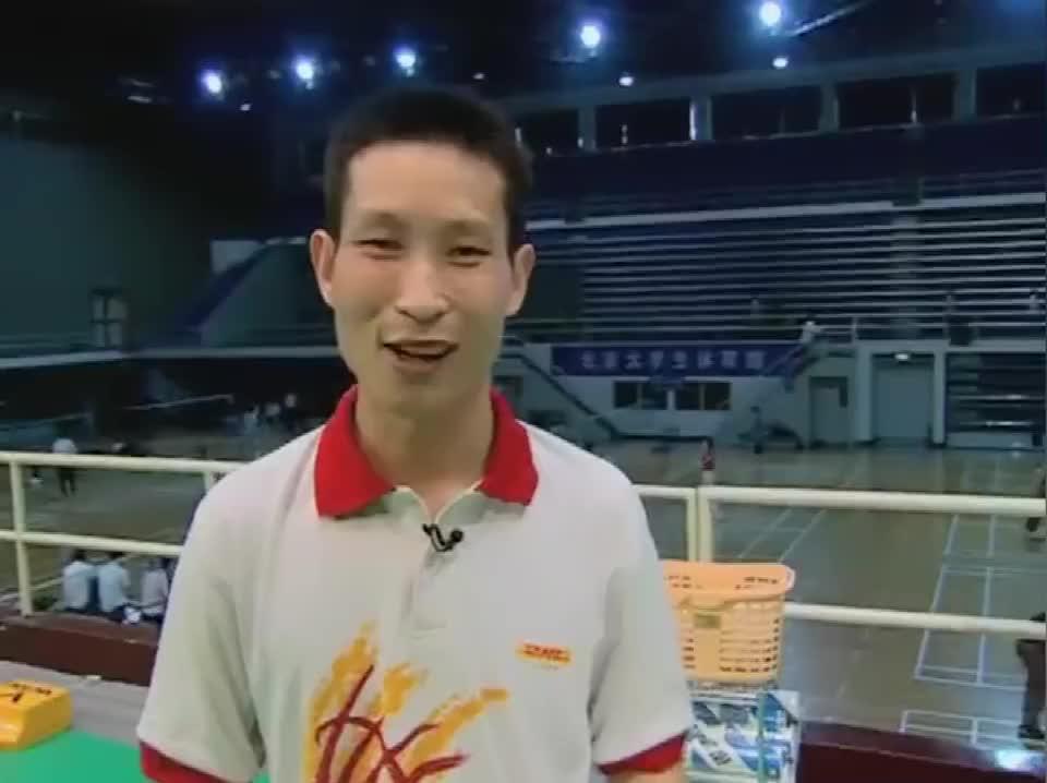 专家把脉:反拍后场被动击球的握拍与发力,赵剑华教练指点迷津!