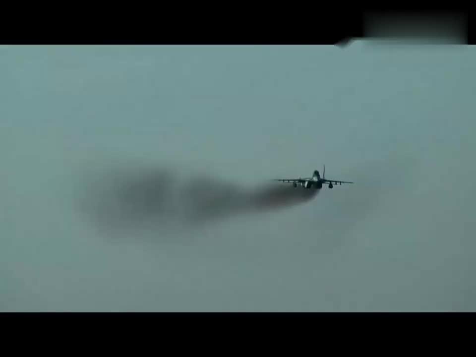 """米格29飞行员:""""呼叫塔台,我要从你的窗户旁边飞过去"""