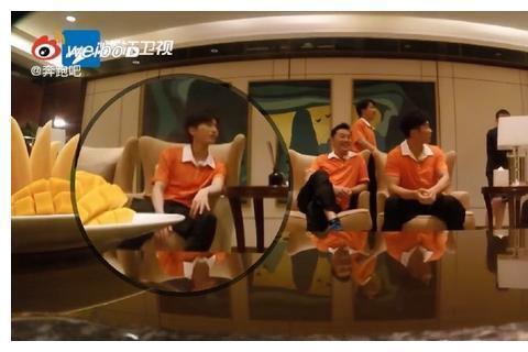 《奔跑吧》最新物料出炉,蔡徐坤稳坐吃瓜群众VIP席位