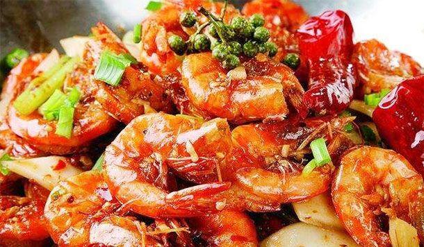 孩子补钙总是吃水煮大虾吃腻无味,多吃香辣菜,滋溜冒油酥脆爽口