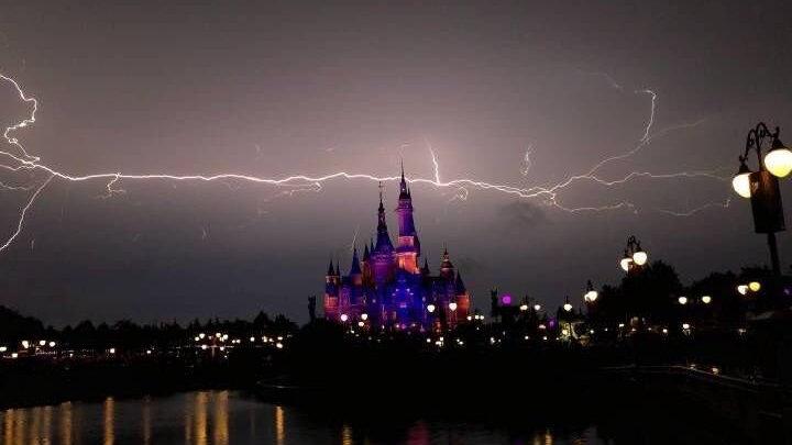 超凶雷雨袭击江浙沪,它和双台风有关,更是今年最持久高温的前奏