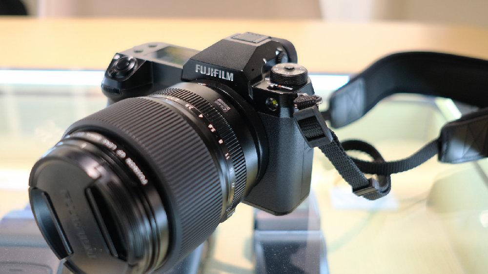 便携与高画质兼具 富士中画幅无反相机GFX100S正式发布