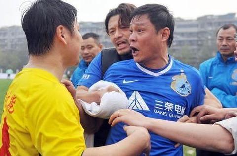 """中国足球""""大佬""""级人物前亚洲足球先生范志毅能否当国足主教练?"""