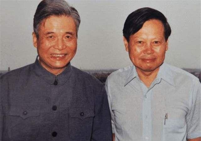 中国的原子弹氢弹制造,有外国人参加吗?杨振宁百岁生日说出答案