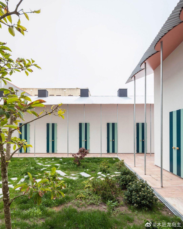 法拉工作室结合了几何形状和波尔图微型住宅的混凝土饰面  建筑工作