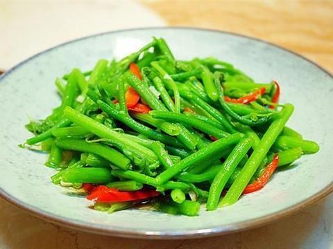 这菜现在正新鲜,维生素丰富,5块钱一斤,清炒就好吃,营养美味
