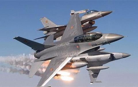 土耳其10架战机逼近,希腊立即出动18架拦截,空中激烈缠斗