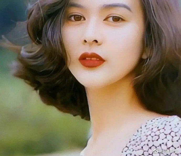用四个字形容关之琳的美貌,你会想到什么?