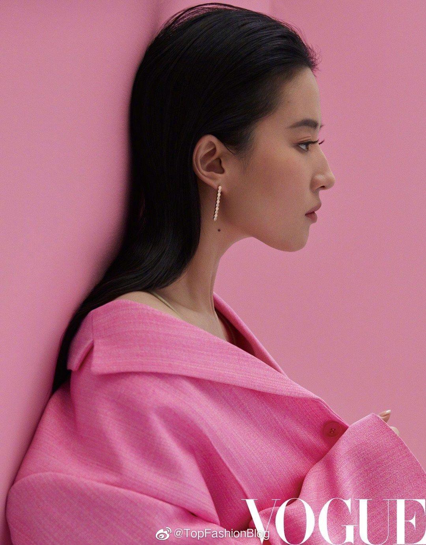 刘亦菲 × VOGUE China 四月刊封面大片 🦋