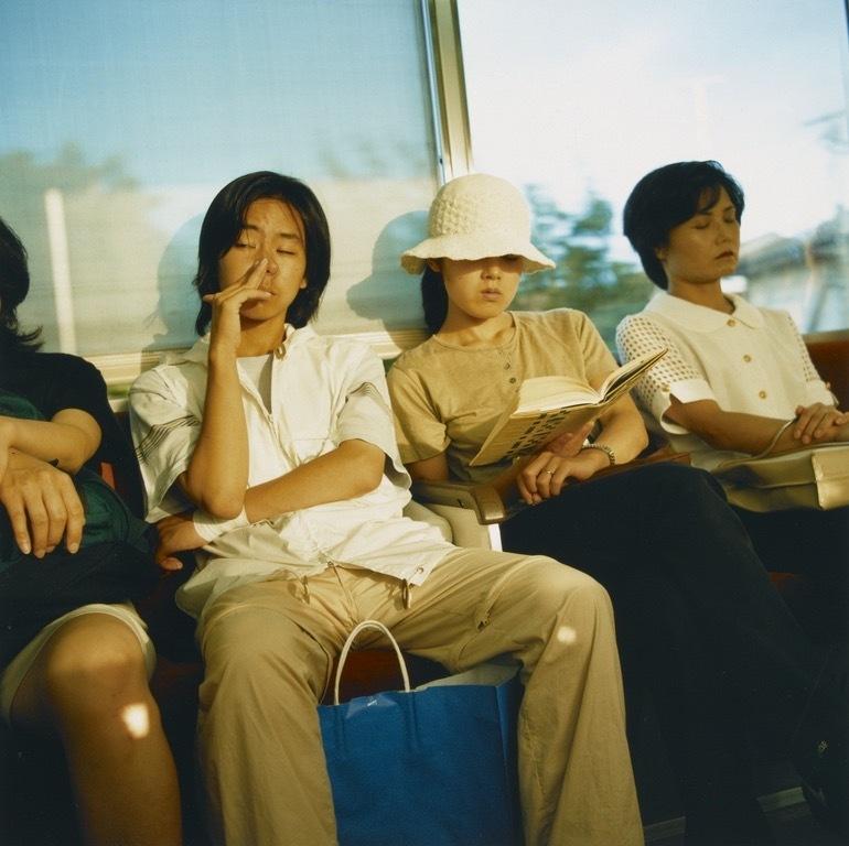 原美树子,生于1967年,日本摄影师。2017年获得木村伊兵卫赏摄影奖