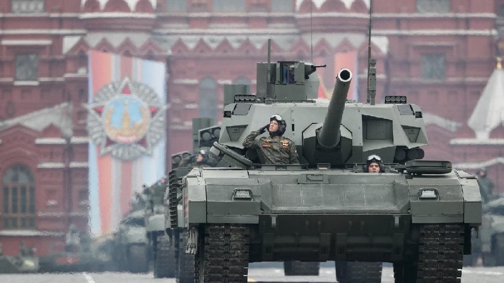 回顾俄胜利日阅兵,除了S400和苏35,还有哪些装备值得我们买?