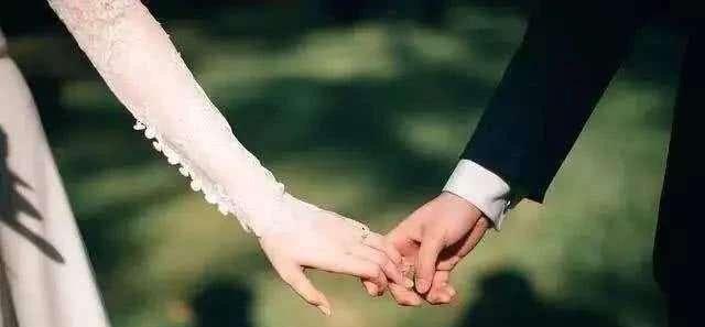 如果你有一女儿,医生、教师、公务员三种职业,你会选谁做女婿?