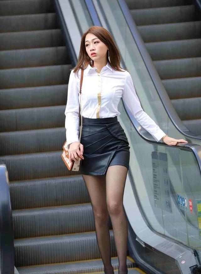 优雅多姿的连衣裙美女,着装就要选择时髦一点的,显白美丽