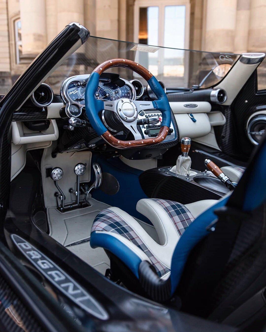 艺术品级别的超级跑车Pagani Zonda HP Barchetta 就是一个艺术品~