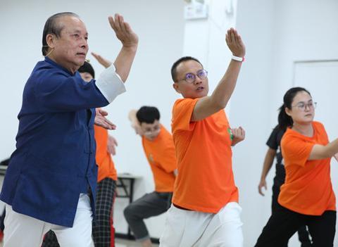 咏春拳正宗传人联手健身机构传播中华传统武术