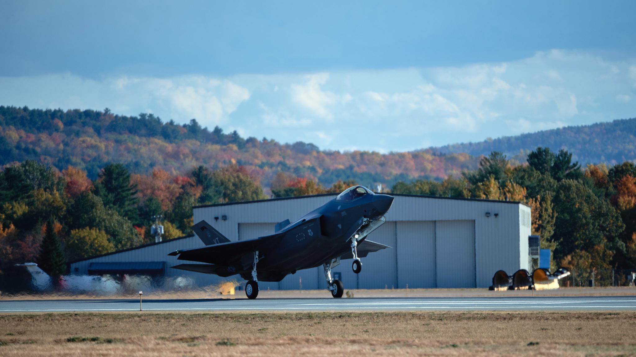 158战斗机联队收到最后一架F-35A