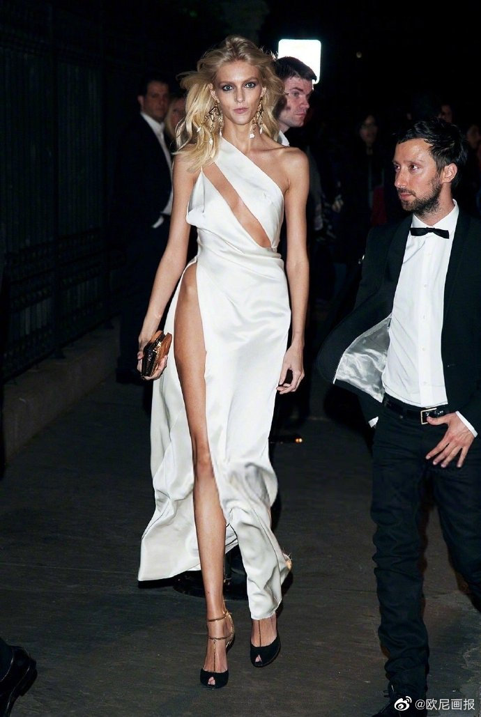 The Met Gala after party 2012 Anja Rubik街拍名场面