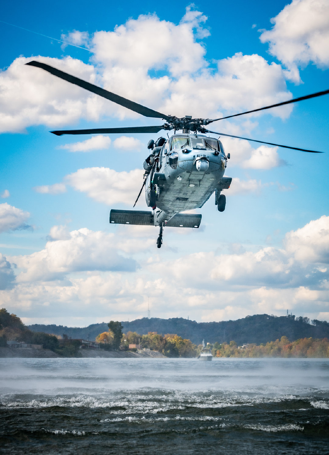 总部位于弗吉尼亚州诺福克的直升机海上战斗中队5(HELSEACOMBATRON F